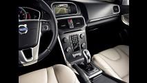 Volvo V40 2017 chega ao Brasil com retoque visual e preço inicial de R$ 129,9 mil