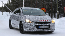 2015 Chevrolet Cruze returns in fresh spy pics with a bit less camouflage