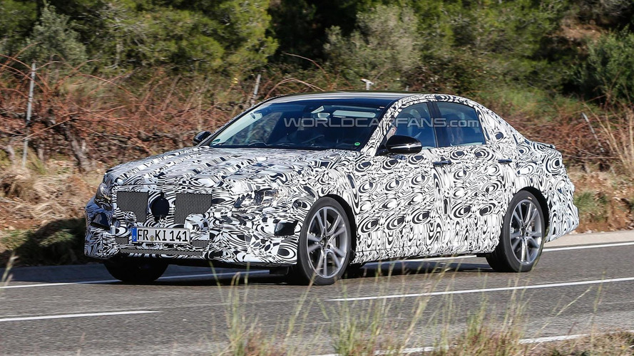 2016 Mercedes E-Class spied with production head- and taillights