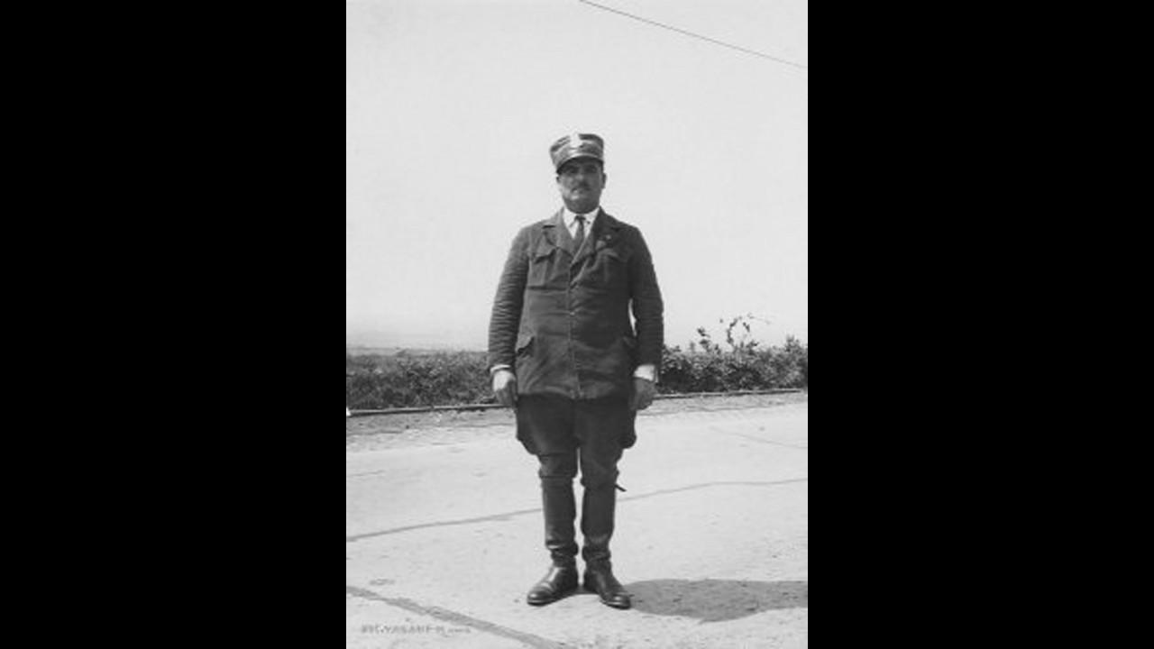 Foto storica, Cantoniere anni '30