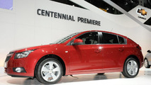 Chevrolet Cruze 5-door hatchback live in Geneva 01.03.2011