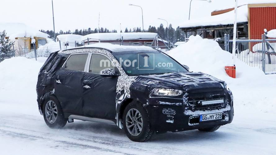 Facelifted Hyundai Tucson spied during winter testing