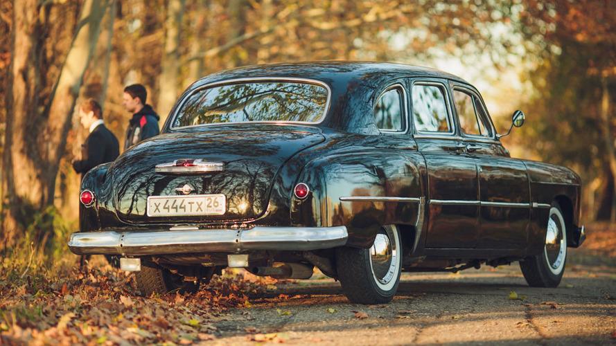 eBay'de bulduğumuz 1953 GAZ-12 limuzin tam bir makam aracı