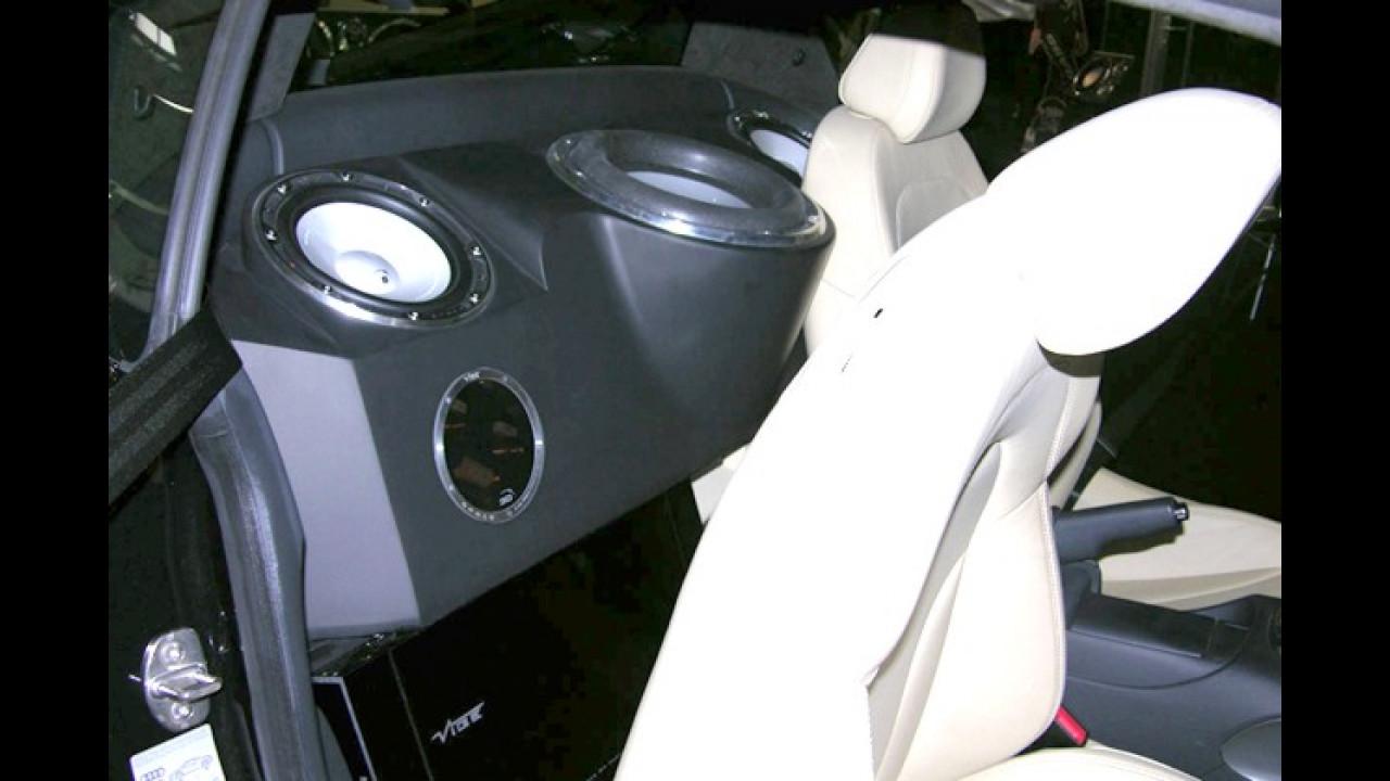Hinter den Sitzen ist noch Platz für ein paar Vibrations-Quellen