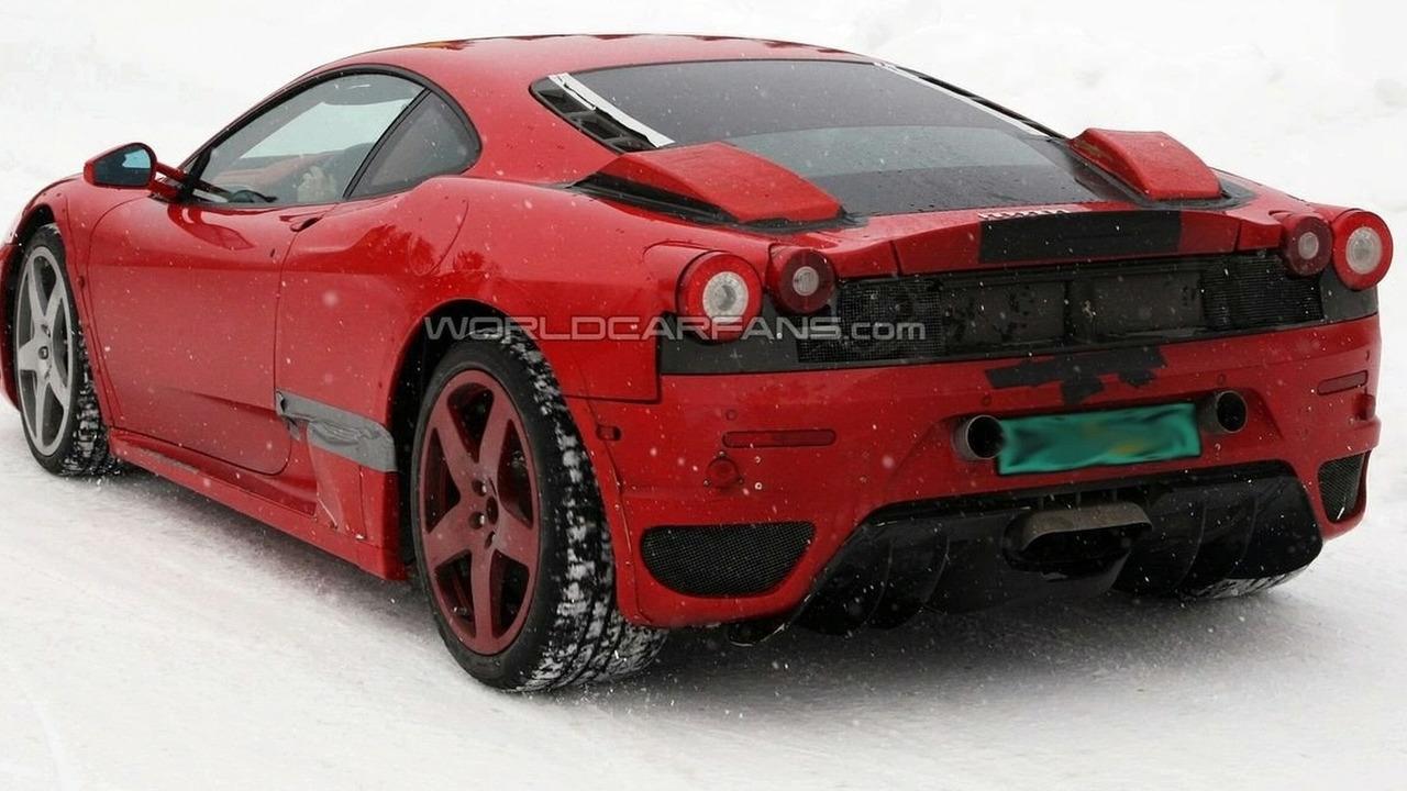 Ferrari F450 talvitesteissä