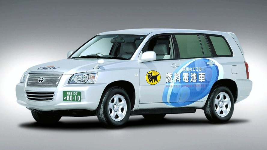 Toyota FCHV Makes 560km Journey