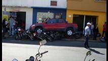 Motorista atropela oito motos com Strada Adventure