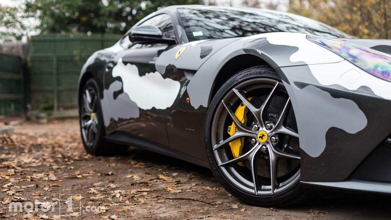 KVC - Ferrari F12 camouflée