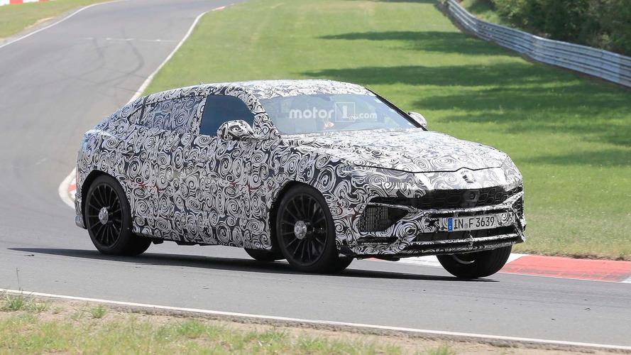 Le Lamborghini Urus se promène sur le Nürburgring