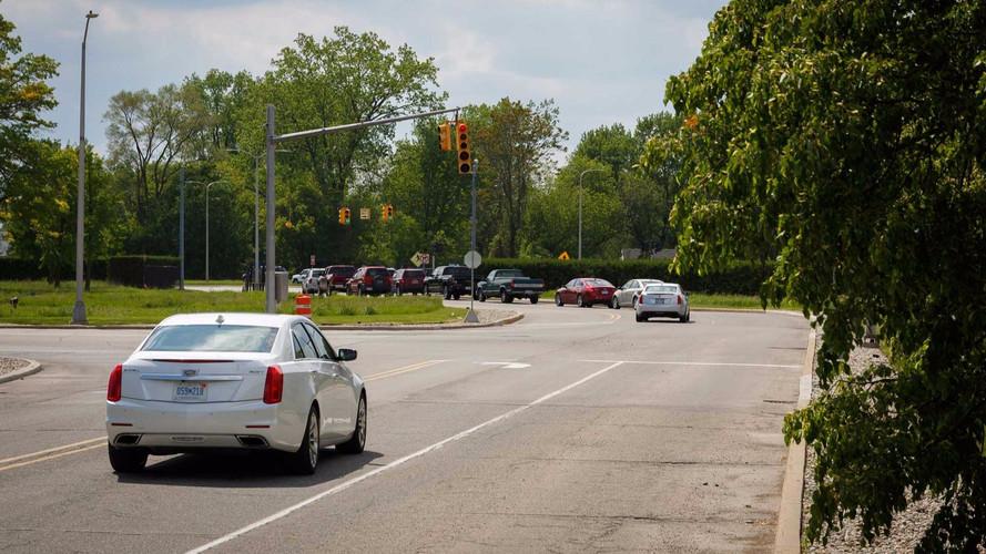 Cadillac, V2I teknolojilerini Michigan'da başarıyla test etti