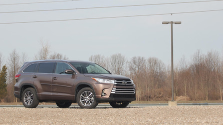 2017 Toyota Highlander Review: The Camry Of Crossovers