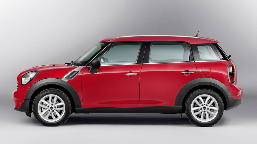 2013 MINI Countryman revealed with minor updates