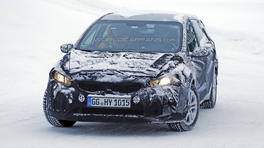 2016 Kia cee'd facelift spied up close, launching in August