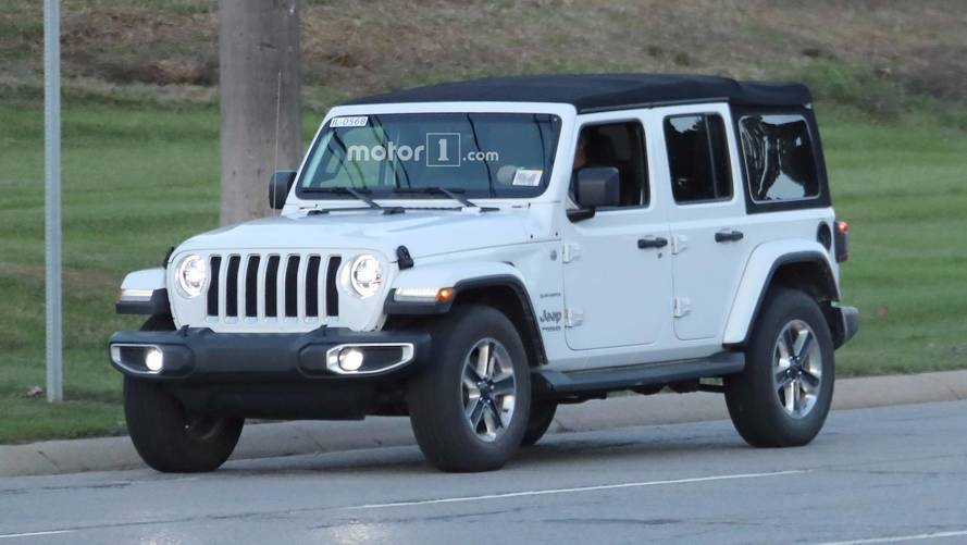 Entire 2018 Jeep Wrangler Lineup Photographed On Road 40