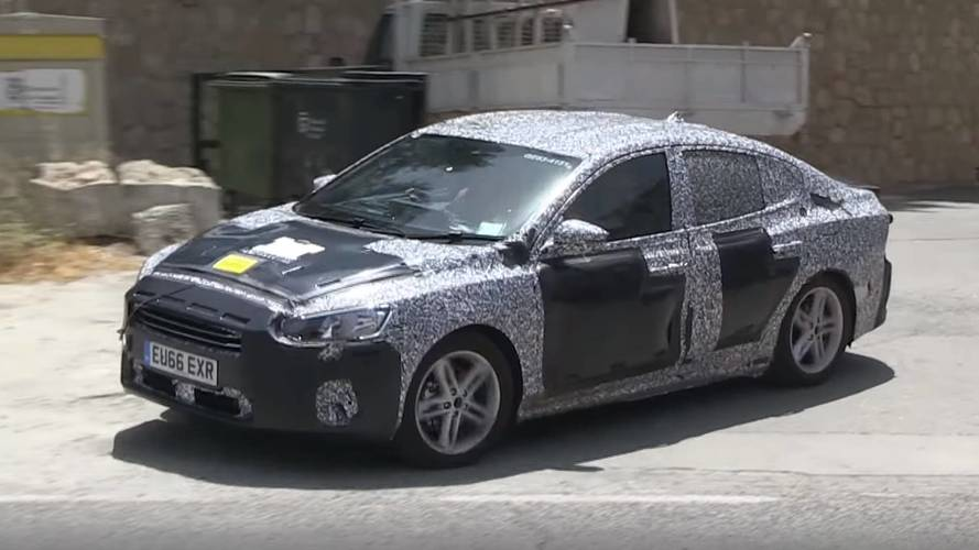 Ford Focus Hatchback ve Sedan casus kameralara yakalandı