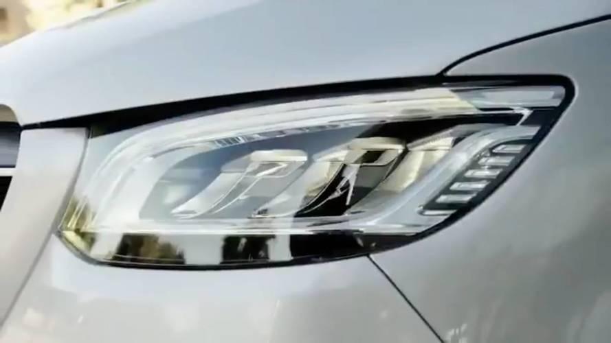 Yeni Mercedes Sprinter kayar kapılarını korumuş