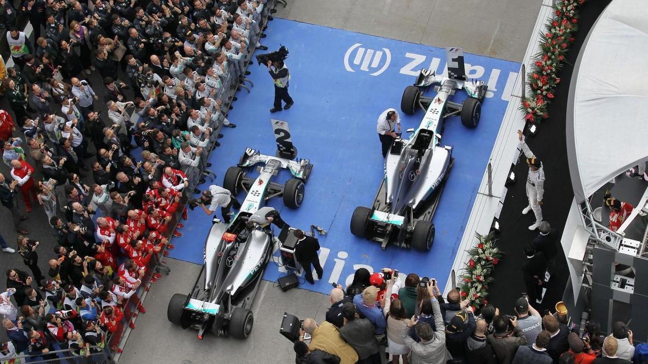 Race winner Lewis Hamilton (GBR) Mercedes AMG F1 W05 celebrates on the podium, 20.04.2014, Chinese Grand Prix, Shanghai / XPB