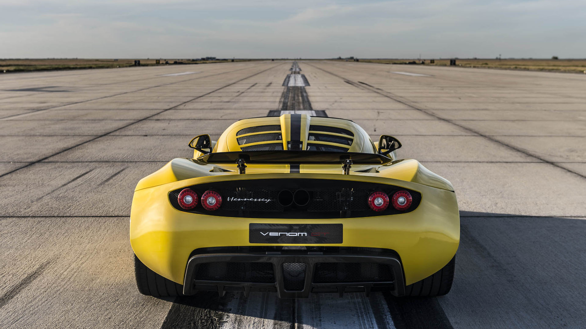 Hennessey Venom GT Spyder be es the world s fastest convertible