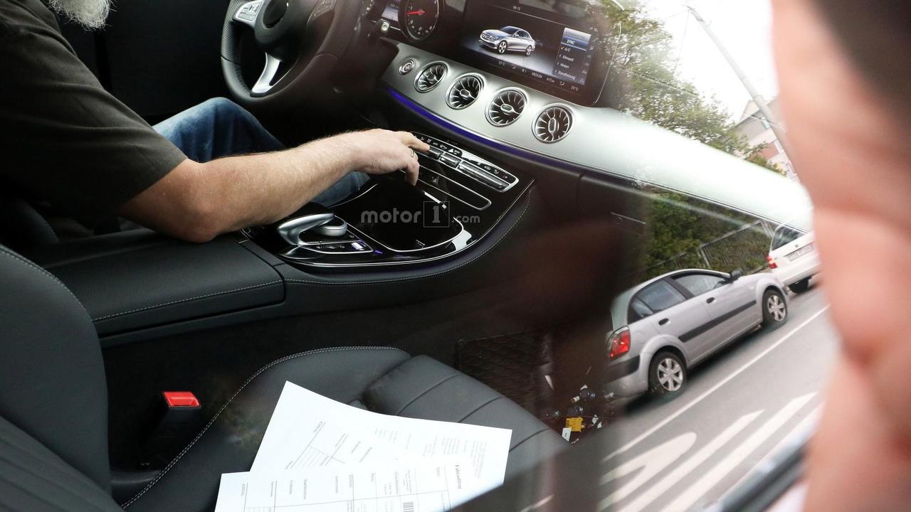 Mercedes-Benz E-Class Coupe spy photo