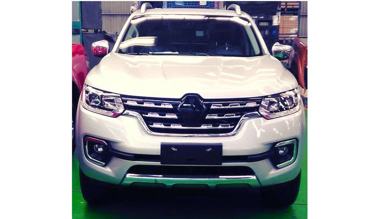 Renault Alaskan production version
