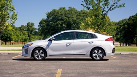 2018 Hyundai Ioniq Plug-In Hybrid | Why Buy?