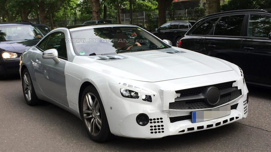 Latest Mercedes-Benz SL facelift spy shots reveal new taillight graphics