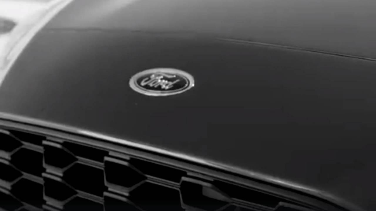 2019 Ford Focus teaser görüntüleri