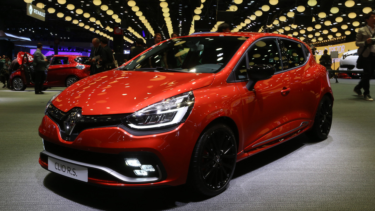 Renault clio rs16 a se confirme au mondial for Garage renault paris 9