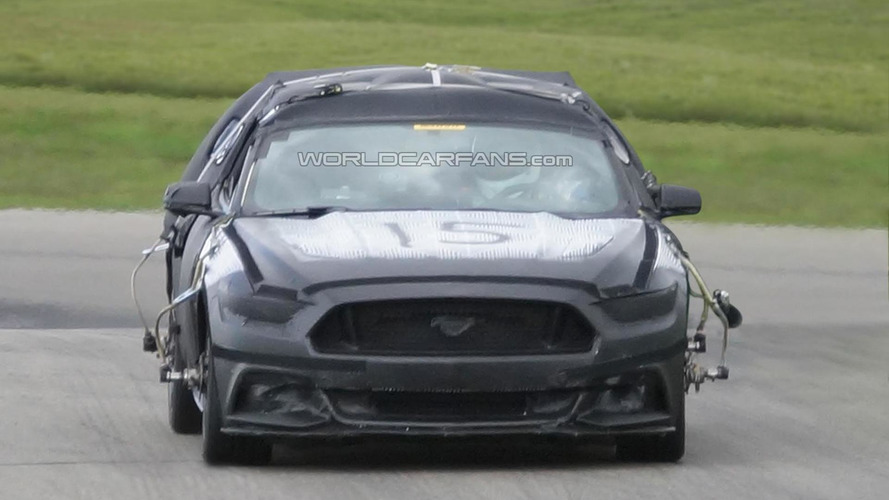 2015 Ford Mustang shows its front fascia in latest spy photos
