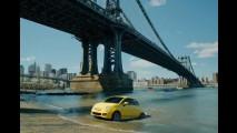 VÍDEO: Comercial do Fiat 500 mostra nova onda de imigrantes italianos chegando aos EUA
