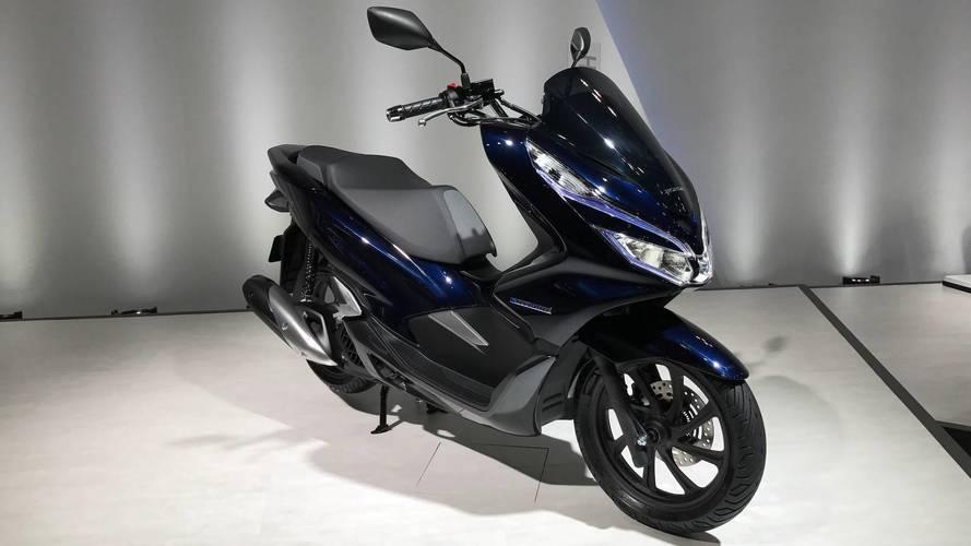 Sucesso no Brasil, Honda PCX ganha versões elétrica e híbrida no Japão