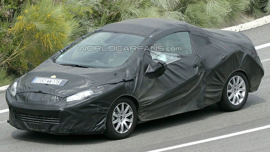 Peugeot 308 CC Spotted Undergoing Hot-Weather Testing
