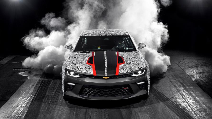 Chevy en hızlı Camaro'nun teaser'ını gösterdi ve COPO modelini tanıttı