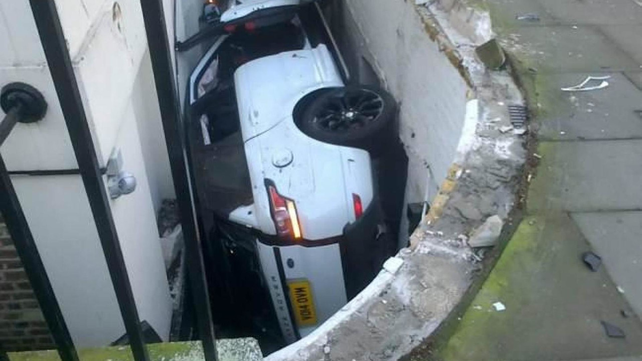 2014 Range Rover Sport accident in London