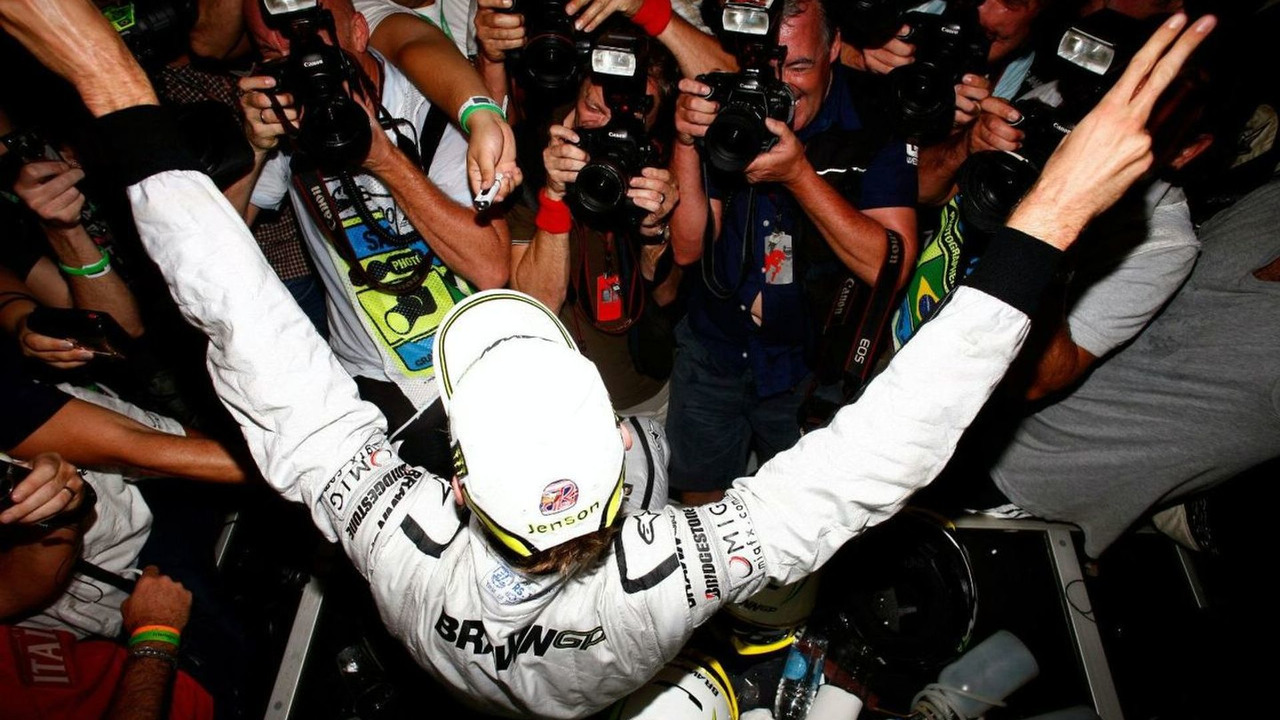 Jenson Button (GBR), Brawn GP - Formula 1 World Championship, Rd 16, Brazilian Grand Prix, Sunday, Sao Paulo, Brazil, 18.10.2009