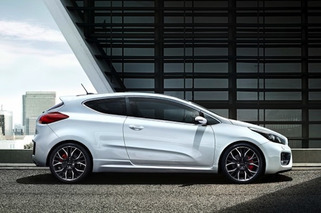 Kia Pro_Cee'd GT is Freakishly Handsome, Headed for Geneva