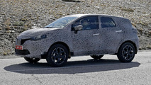 Renault Grand Captur spied for the first time