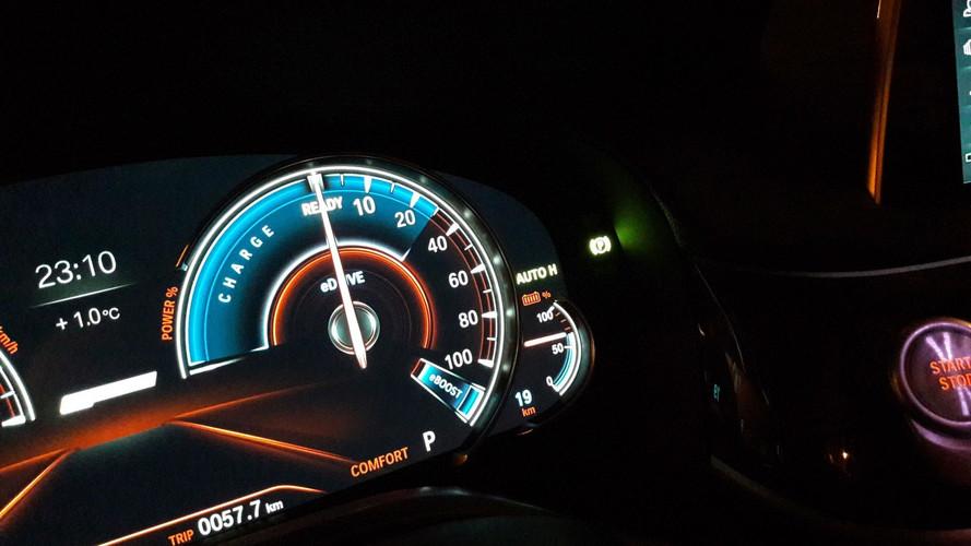 """Dübörög az """"elektromos ágazat"""" a BMW-nél"""