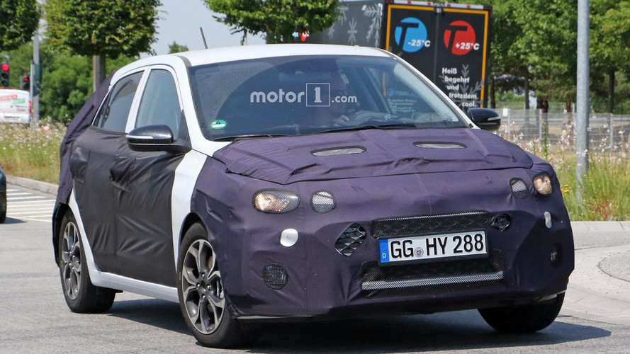 2018 Hyundai i20 facelift spy photo