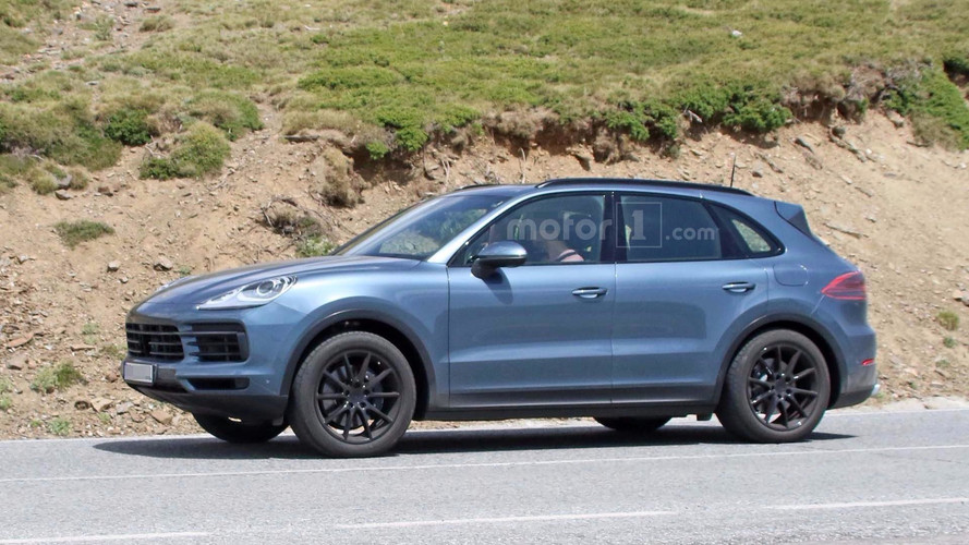 All-New Porsche Cayenne Spied With Very Little Camo