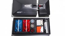 Voici le kit de personnalisation envoyé aux clients de la Ford GT !