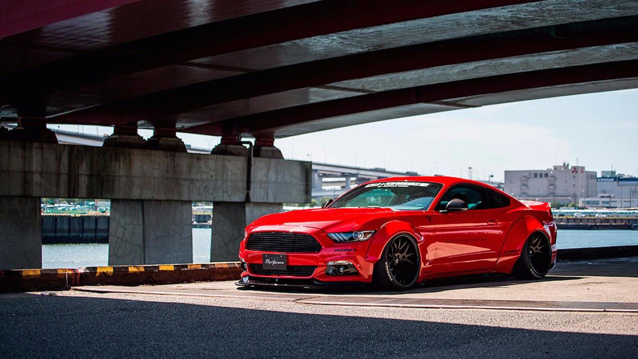 Liberty Walk Ford Mustang