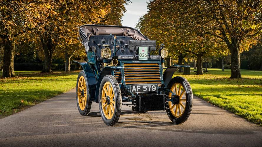 We tried to drive from London to Brighton in a 118-year-old Fiat