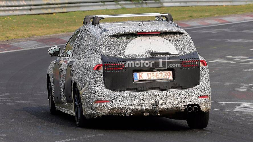 Ford Focus Wagon Spied Flaunting Dual Exhaust Tips At The 'Ring