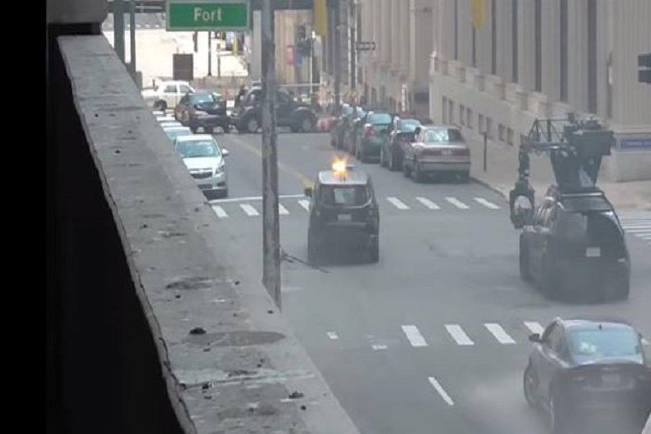 Watch Bruce Wayne Drive a Jeep While Filming 'Batman vs Superman'