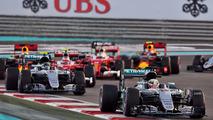 Lewis Hamilton, Mercedes AMG F1 W07 Hybrid leads Nico Rosberg, Mercedes AMG F1 W07 Hybrid
