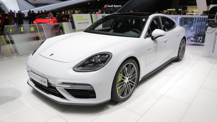 Porsche Panamera Turbo S E-Hybrid is a proper flagship in Geneva