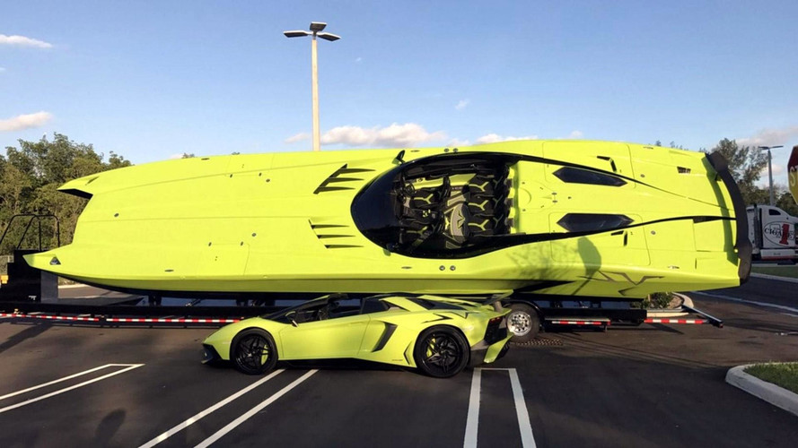 Buy This Lamborghini Aventador SV, Get A Matching Speedboat