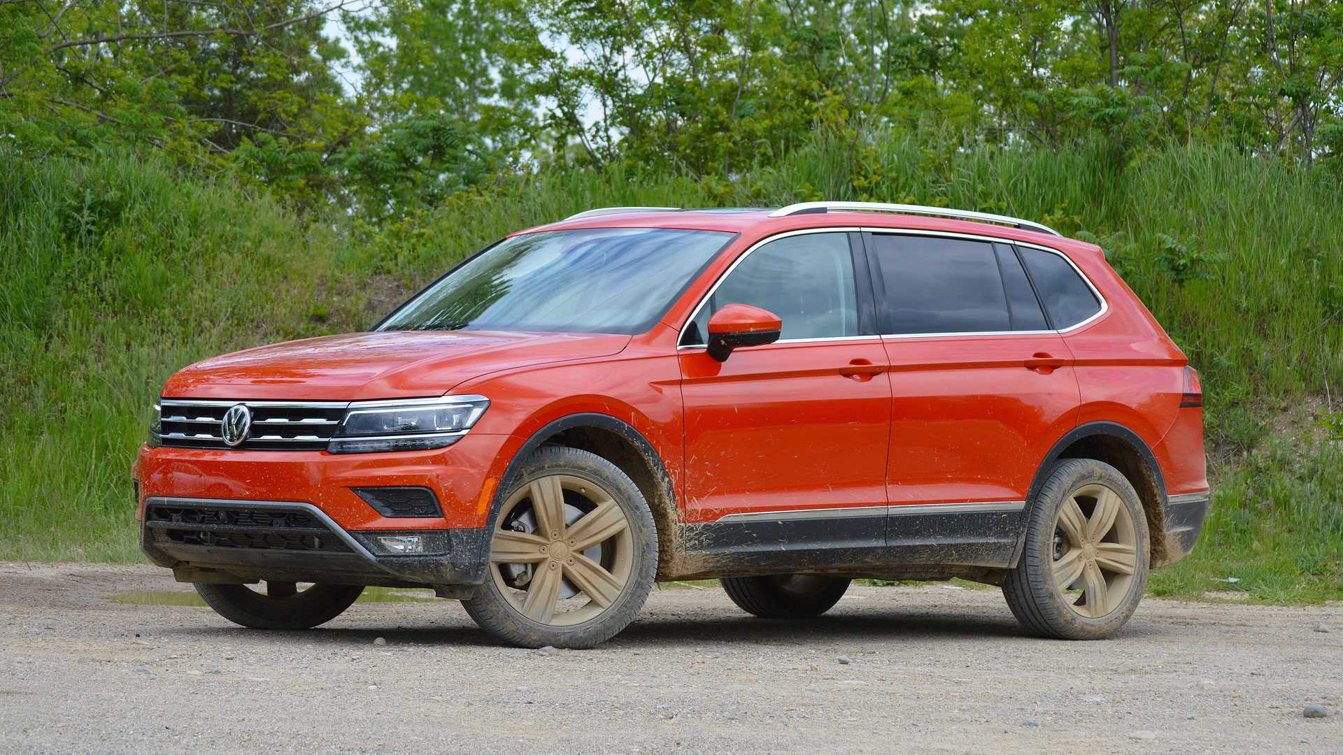 we drive the new vw 2 0t and sample the 2018 tiguan early. Black Bedroom Furniture Sets. Home Design Ideas