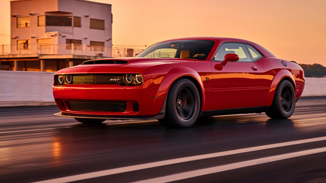 2018 dodge challenger srt demon finally debuts in new york 840 hp 770 lb ft 0. Black Bedroom Furniture Sets. Home Design Ideas